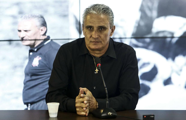 Exatos dois anos após a conquista do Mundial de 2012, Tite voltou para sua terceira passagem no Corinthians. Foto: Miguel Schincariol/Gazeta Press