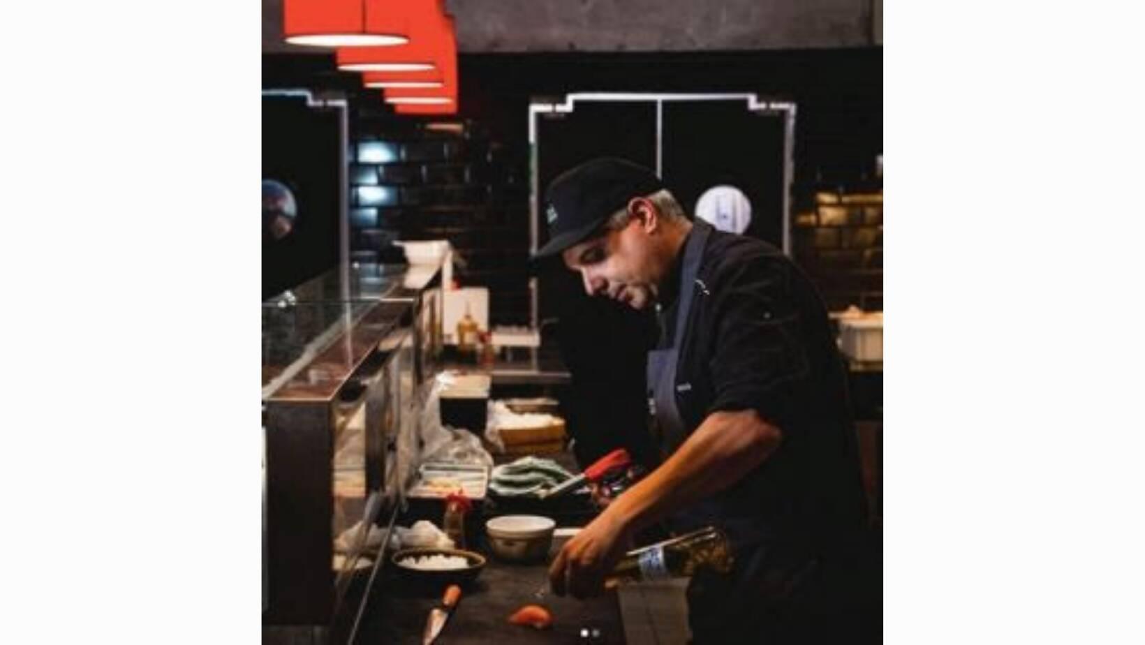 Curso de culinária japonesa com o Mestre Sassá.  São nove módulos com conteúdo digital e uma aula presencial prática, incluso o kit de insumos para duas pessoas. R$ 399,00.. Foto: Divulgação