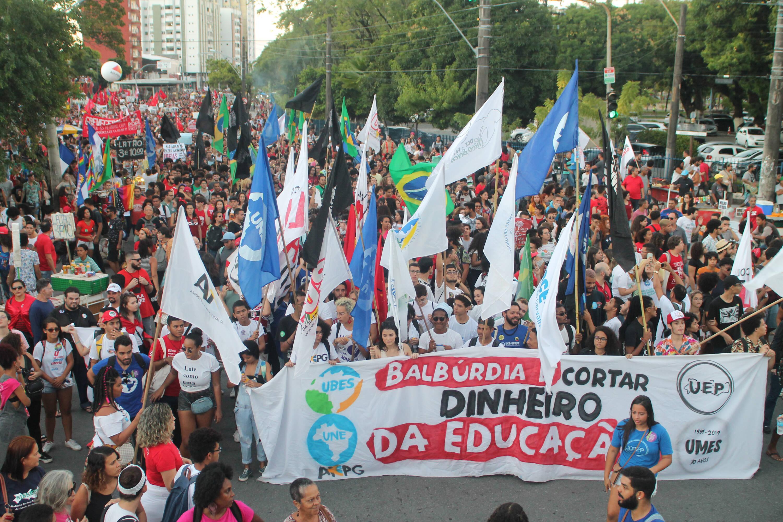 Manifestantes em Recife. Foto: Pedro de Paula/Código19/Agência O Globo