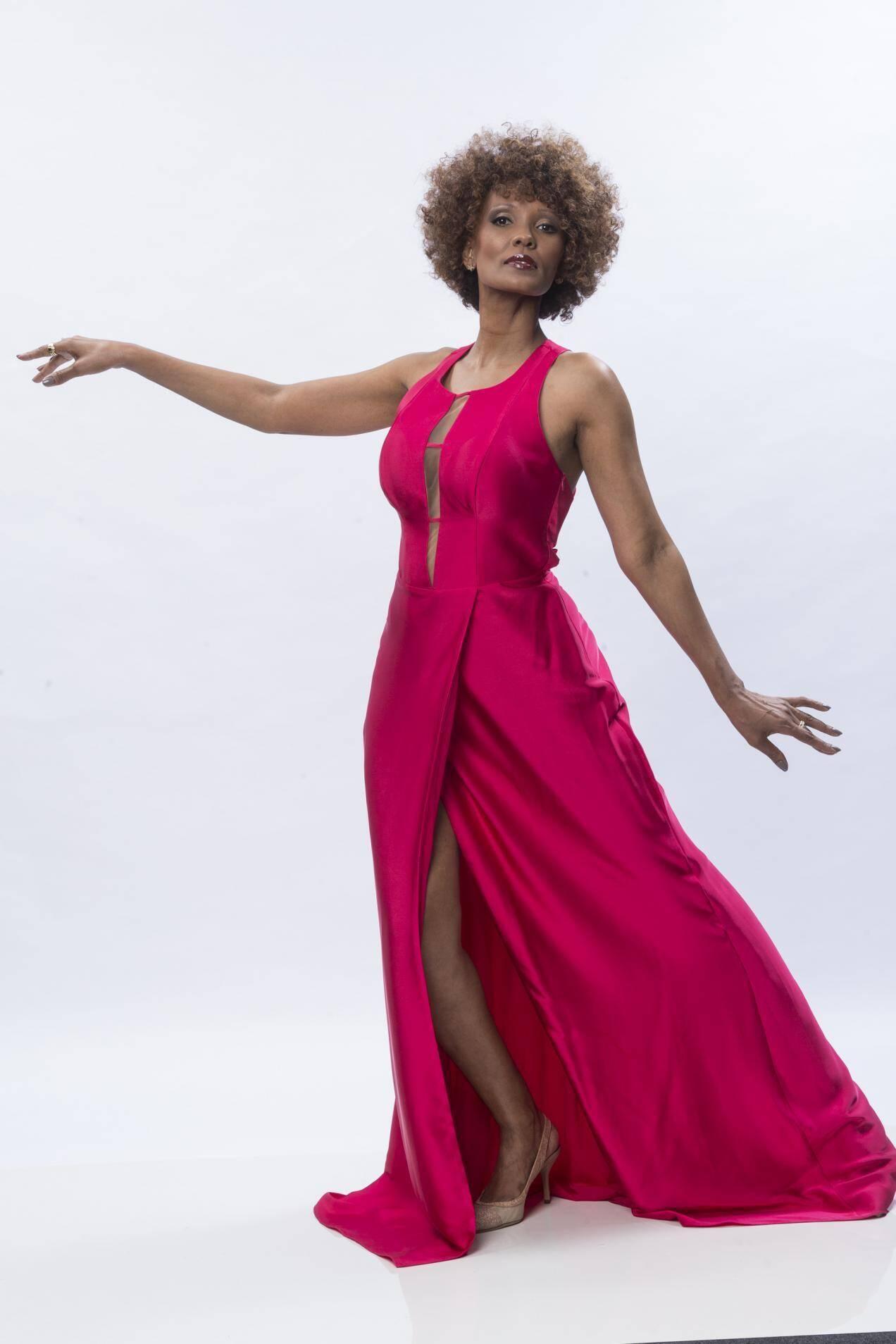 Isabel Fillardis, atriz, 44 anos. Foto: Divulgação