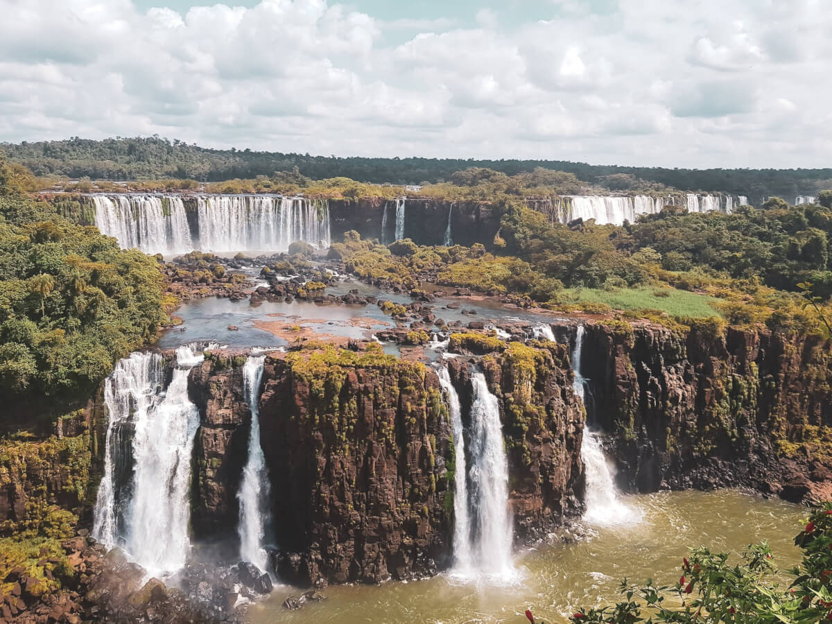 As Cataratas já foram eleitas uma das novas sete maravilhas da natureza. Foto: Reprodução/Geek Tripper