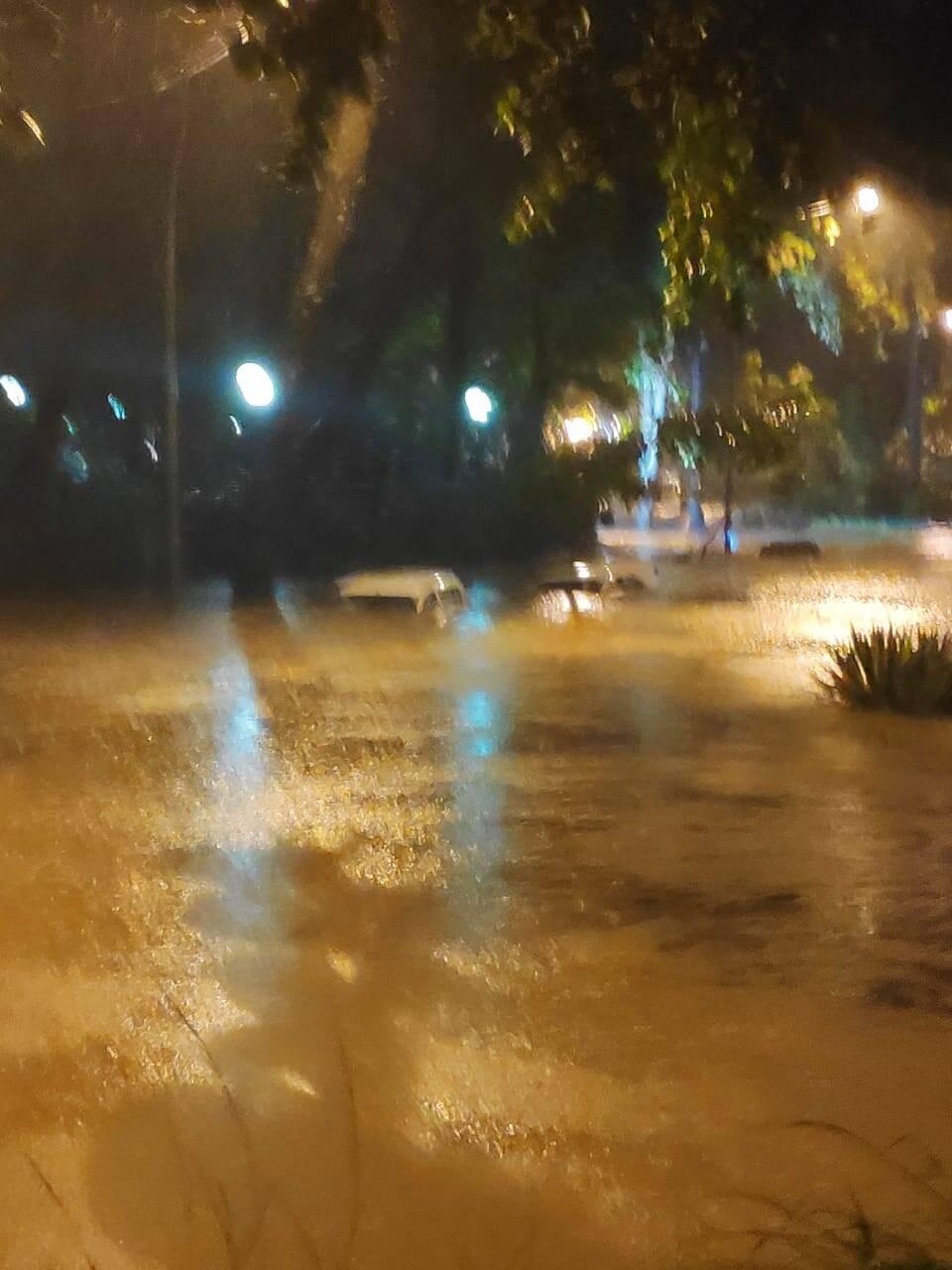 Chuva na região do Shopping Leblon. Foto: Reprodução