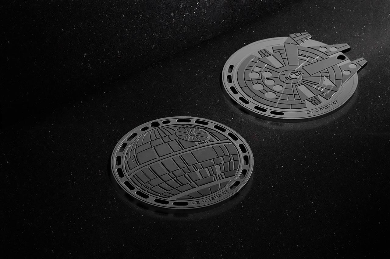 Descansos de panela em formato da Estrela da Morte e Millennium Falcon. Foto: Reprodução