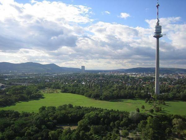 Donaupark fica perto da torre de Danúbio e oferece uma grade variedade de árvores, flores e plantas. Foto: Reprodução/Wikimapia