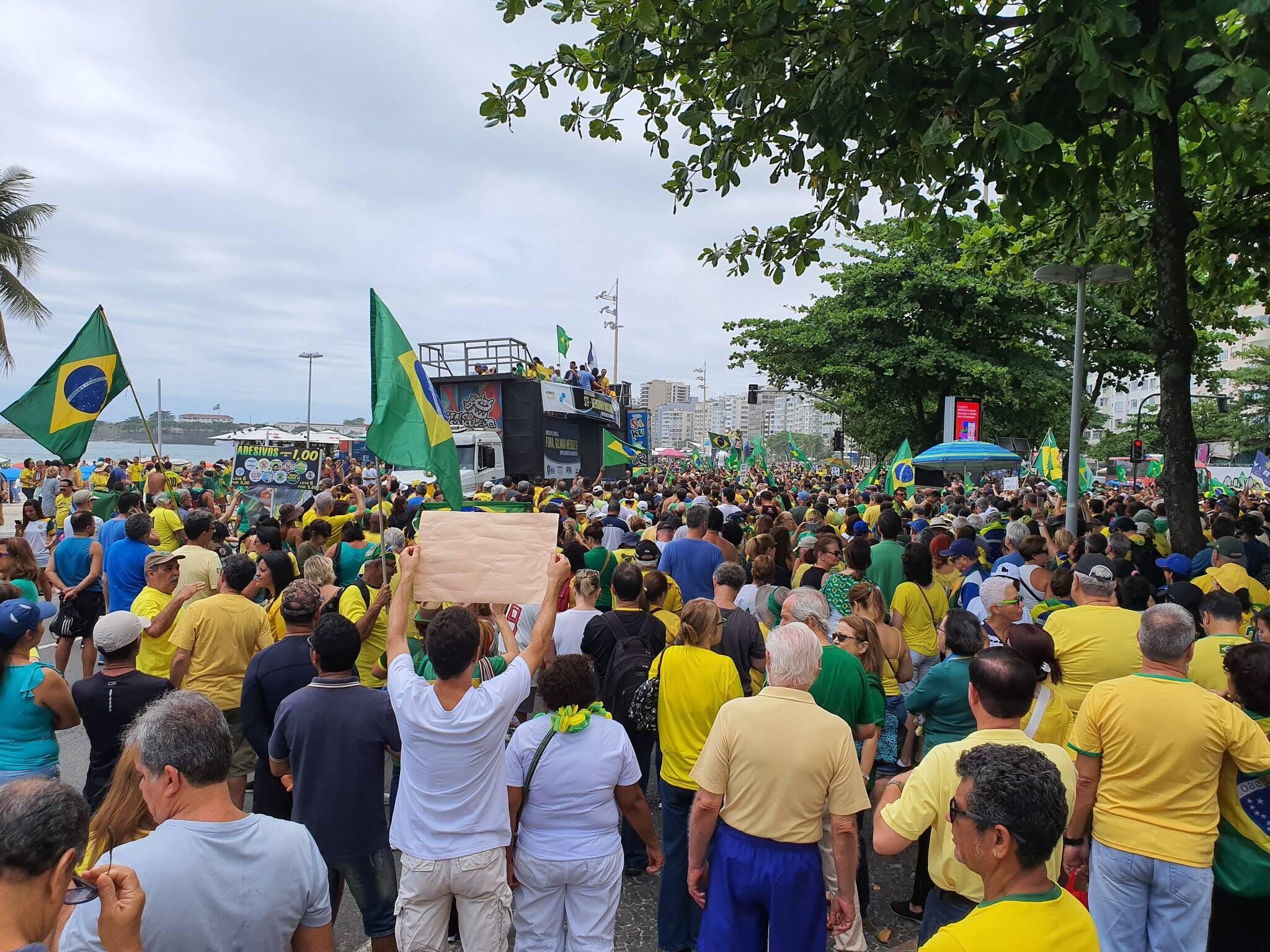 Manifestantes contra Gilmar Mendes e a favor de Bolsonaro em diversas regiões do País. Foto: reprodução / Twitter