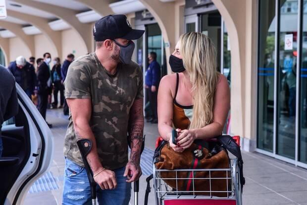 Paolla Oliveira e Diogo Nogueira chegam em aeroporto juntos. Foto: Reprodução