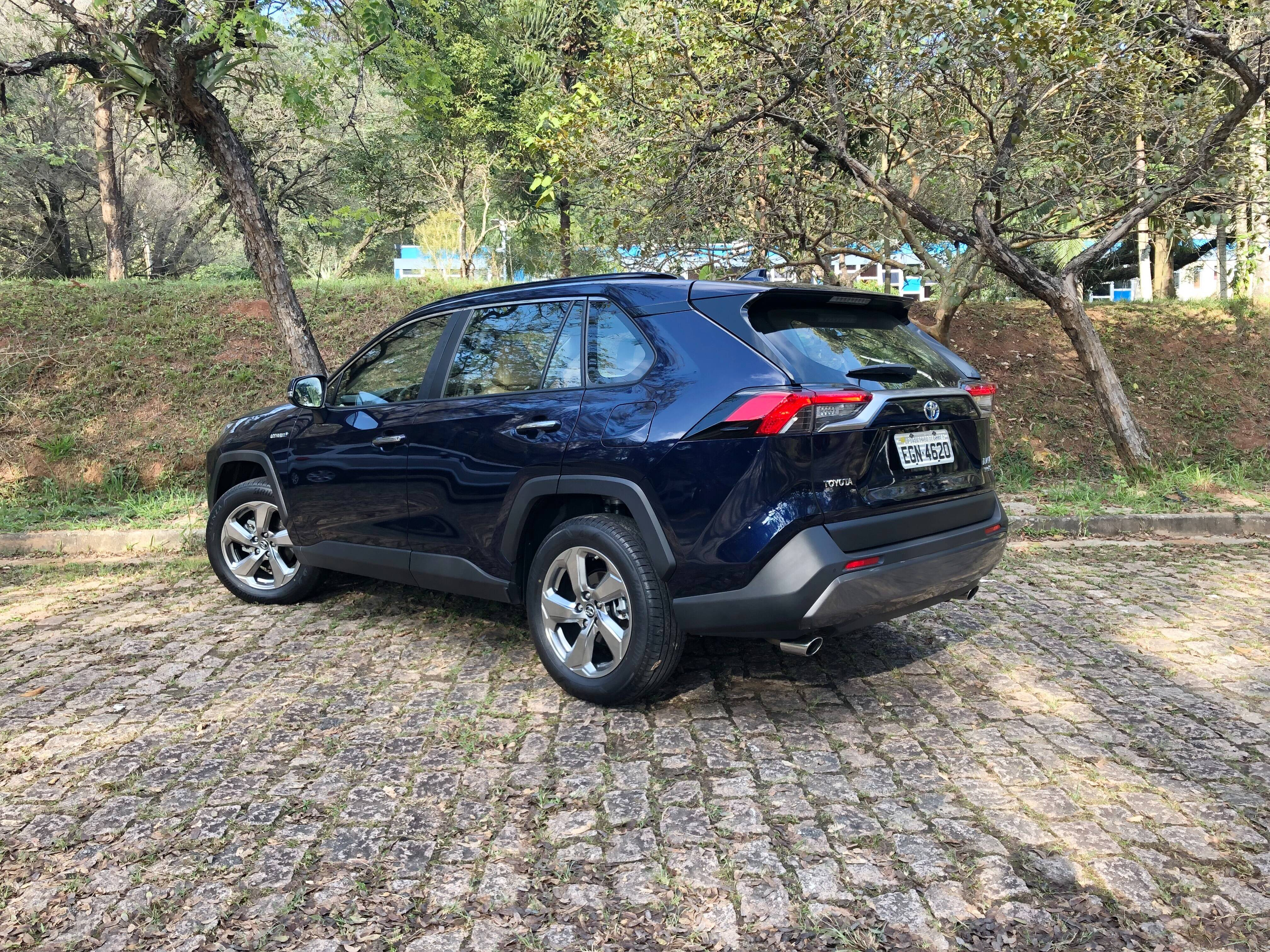 Toyota RAV4. Foto: Cauê Lira/iG Carros