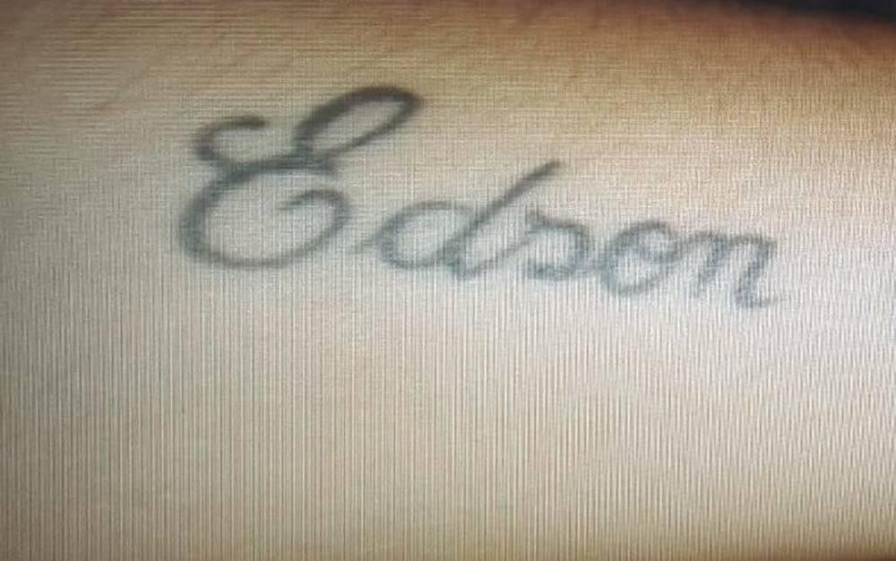 Mulheres foram obrigadas a tatuar nome de Edson Batista contra a própria vontade. . Foto: Arquivo pessoal