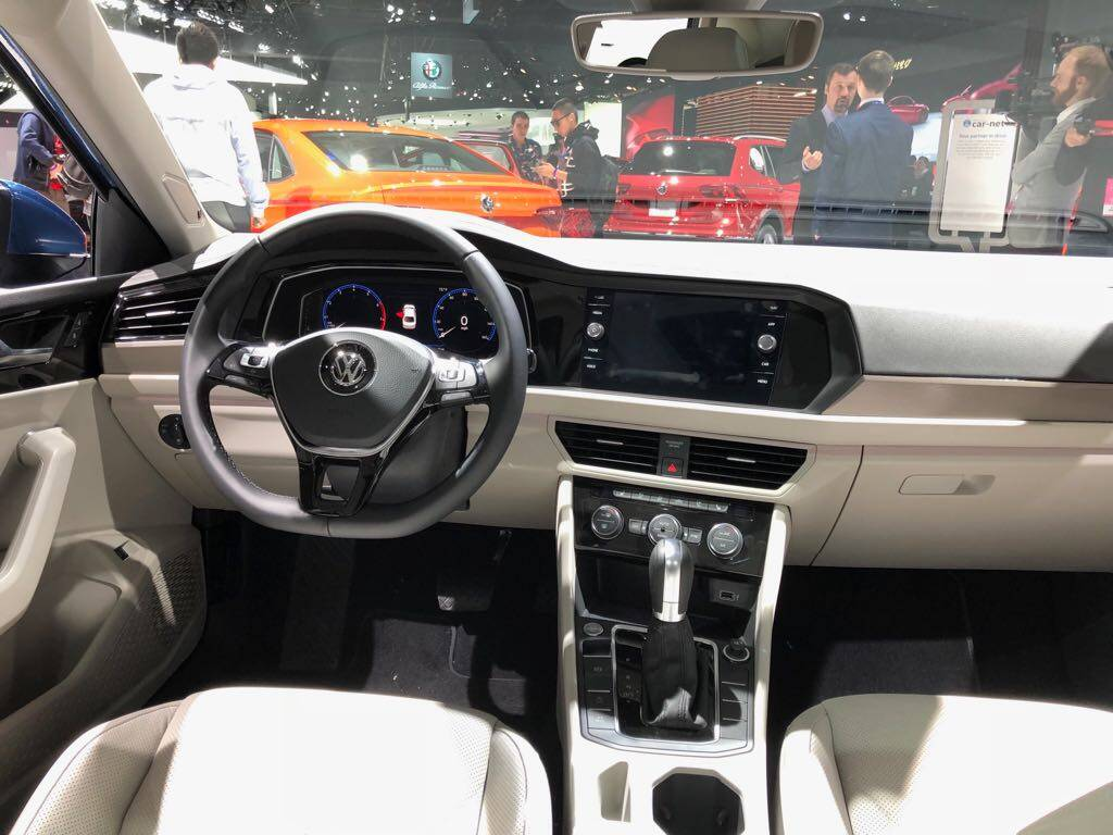 interior do VW Jetta. Foto: André Jalonetsky/iG