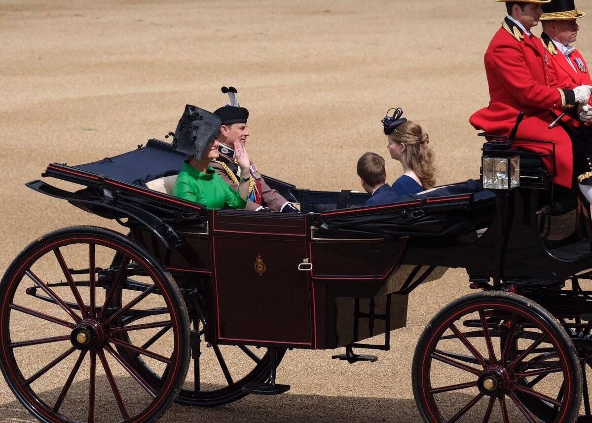 Registros da cerimônia em homenagem à Rainha Elizabeth II. Foto: Divulgação / Família Real / Twitter