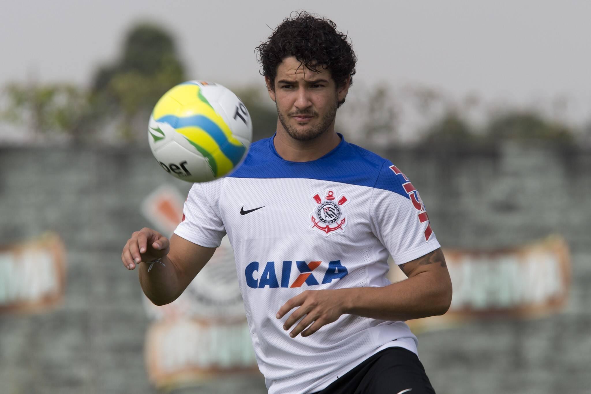 Alexandre Pato será mais um jogador a vestir a camisa de São Paulo e Corinthians na história. Foto: Daniel Augusto Jr./Agência Corinthians