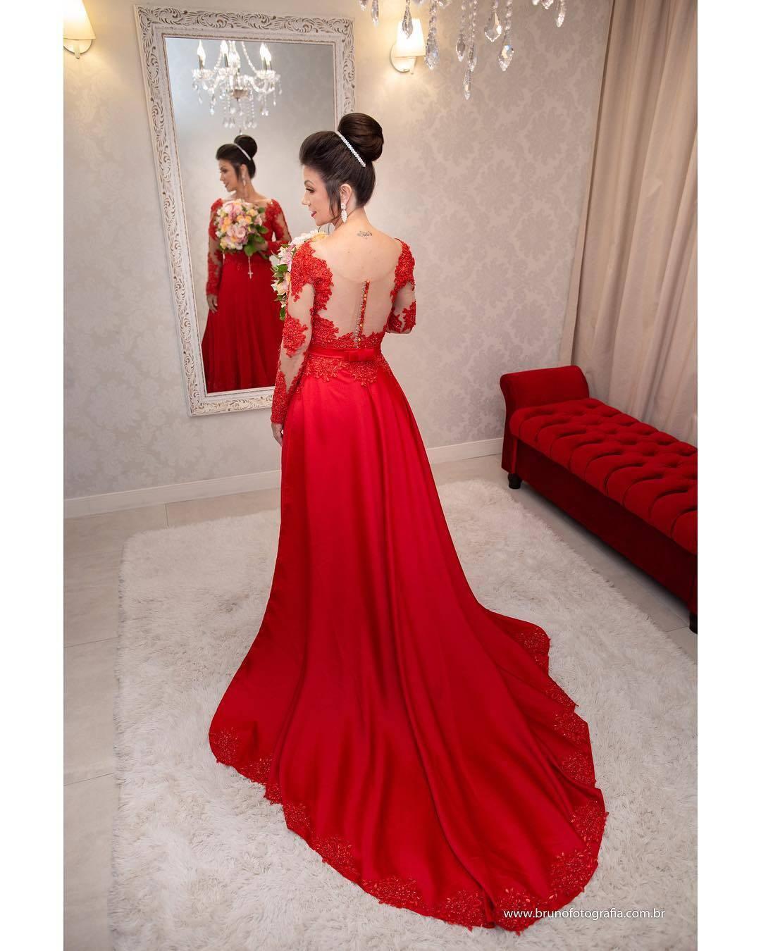 Noiva de vermelho. Foto:  brunorodolphofotografia