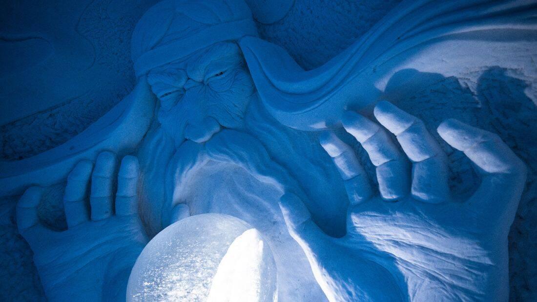 A riqueza de detalhes das esculturas encanta os turistas que visitam o local. Foto: Divulgação/Lapland Hotels