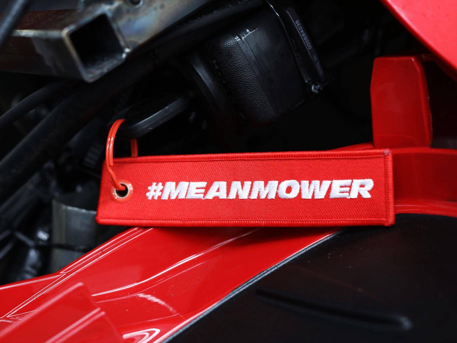 Cortador de grama da Honda vem com motor V2 de 190 cv da  CBR 1000RR Fireblade. Foto: Divulgação
