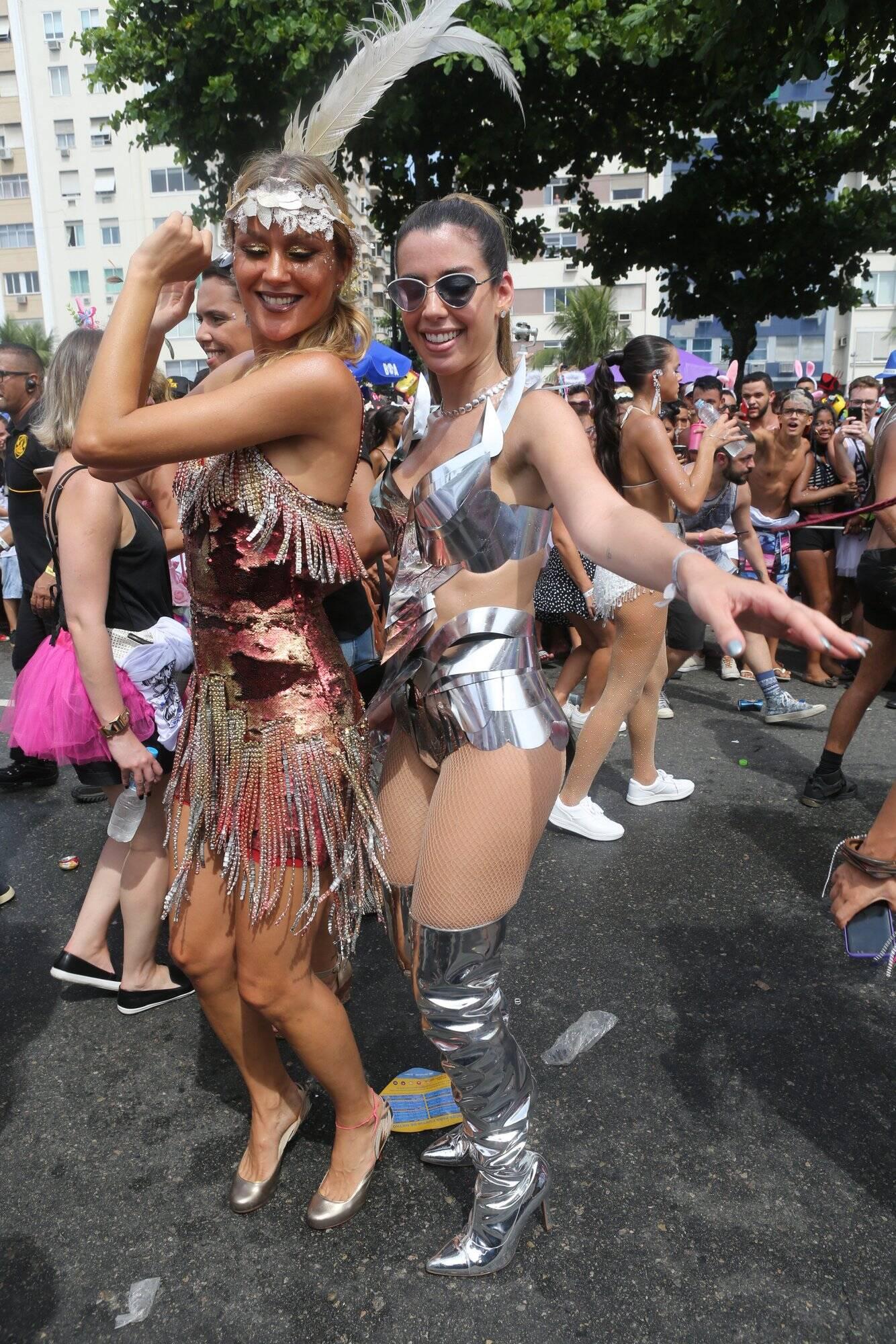Passinho para Ellen Jabour e Camila Coutinho. Foto: RT Fotografia/Brazil News/CS Eventos