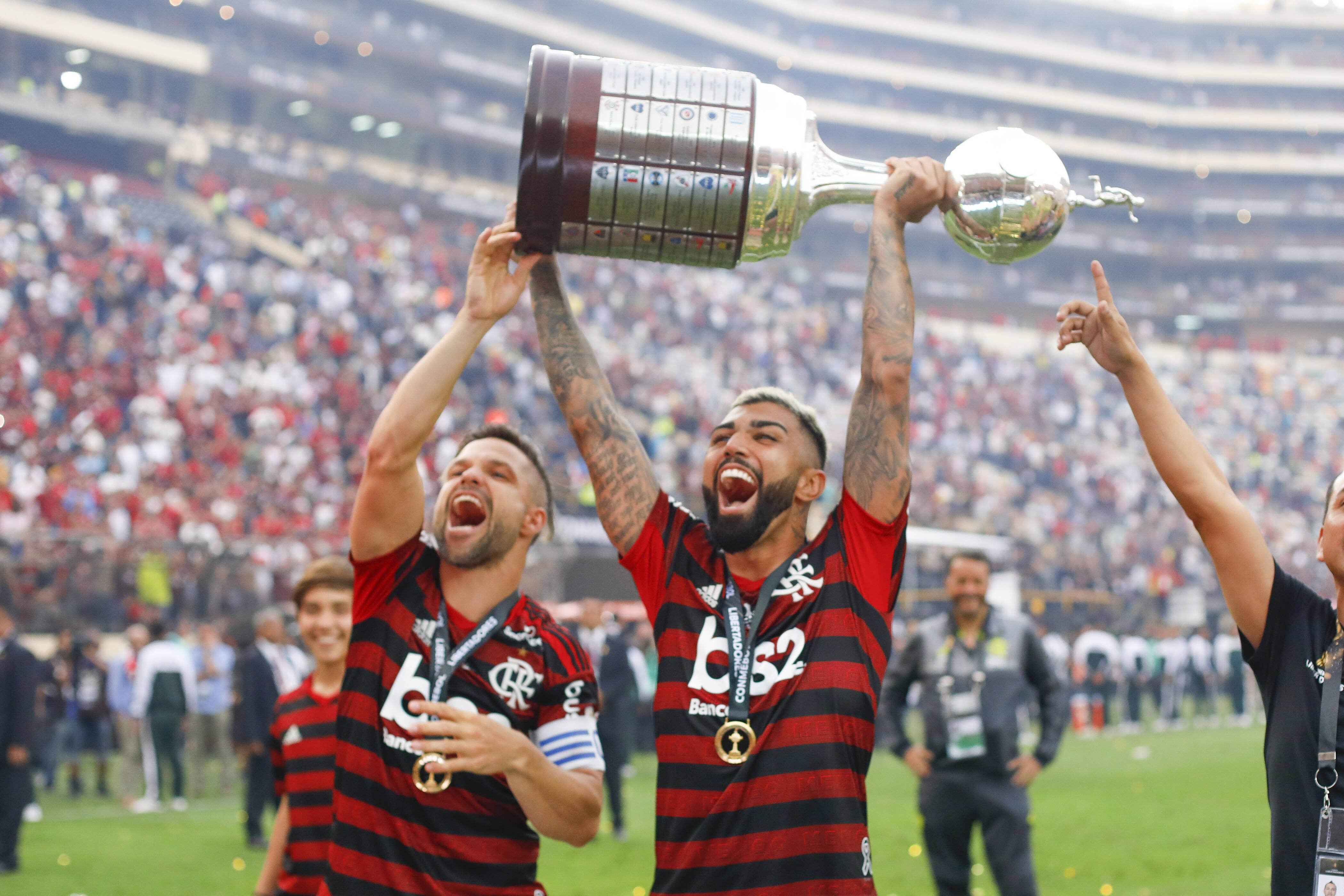 Foto: Ricardo Moreira/Zimel Press/Agencia O Globo