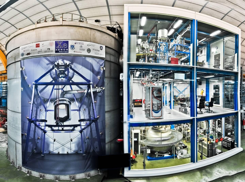 Um dos grandes mistérios da ciência moderna é a natureza da matéria escura. Algumas estimativas previam que seríamos capazes de detectar a interação da matéria escura com uma tonelada de xenônio, mas nenhum sinal foi observado. Dessa forma, a matéria escura torna-se ainda mais misteriosa. Foto: Roberto Corrieri and Patrick De Perio