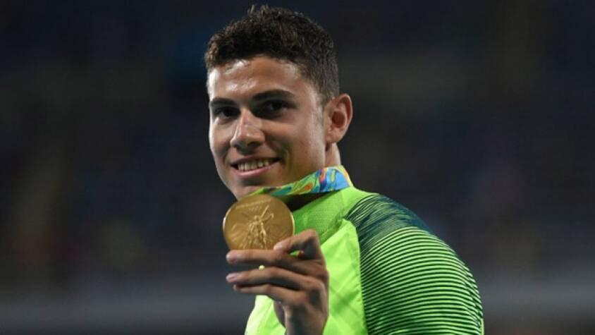 Em busca do bi olímpico, Thiago Braz recebe apoio da família: 'Traz o ouro que a avó gosta de ouro'. Foto: Lance!