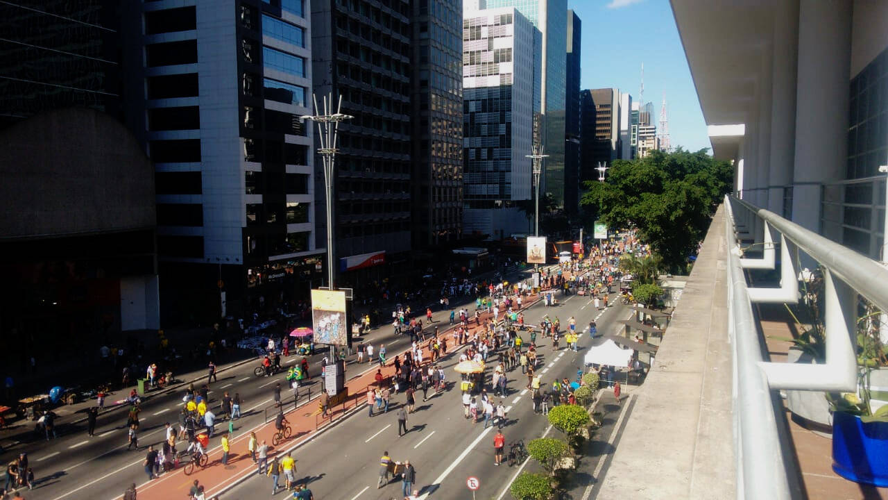 Manifestantes começam a chegar na avenida Paulista. Foto: João Cesar Diaz