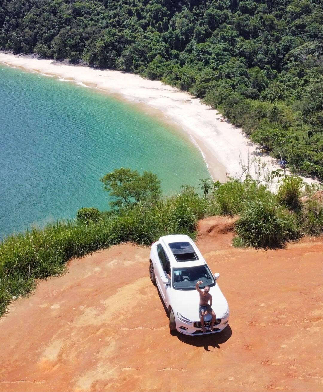 Mar de Figueira é calmo e local é propício para descanso. Foto: Reprodução/Instagram