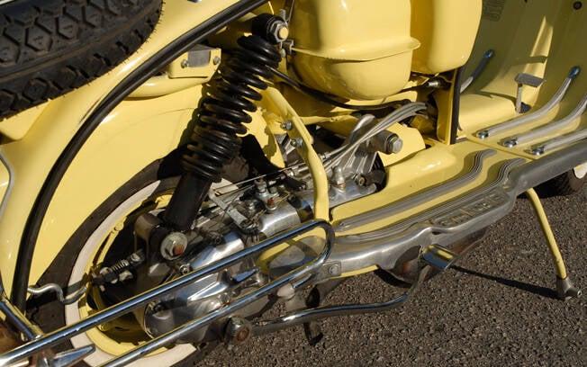 A Lambretta LI tinha transmissão secundária por corrente interna. Foto: Acervo Pessoal / Gabriel Marazzi