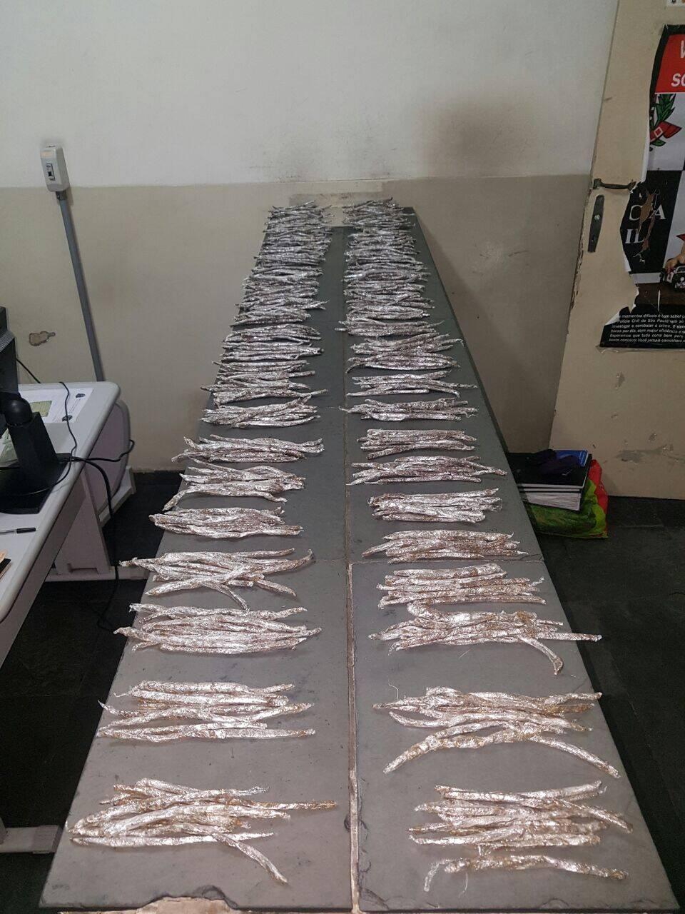 Operação em São Vicente: Maconha pronta para ser vendida. Foto: PM Divulgação