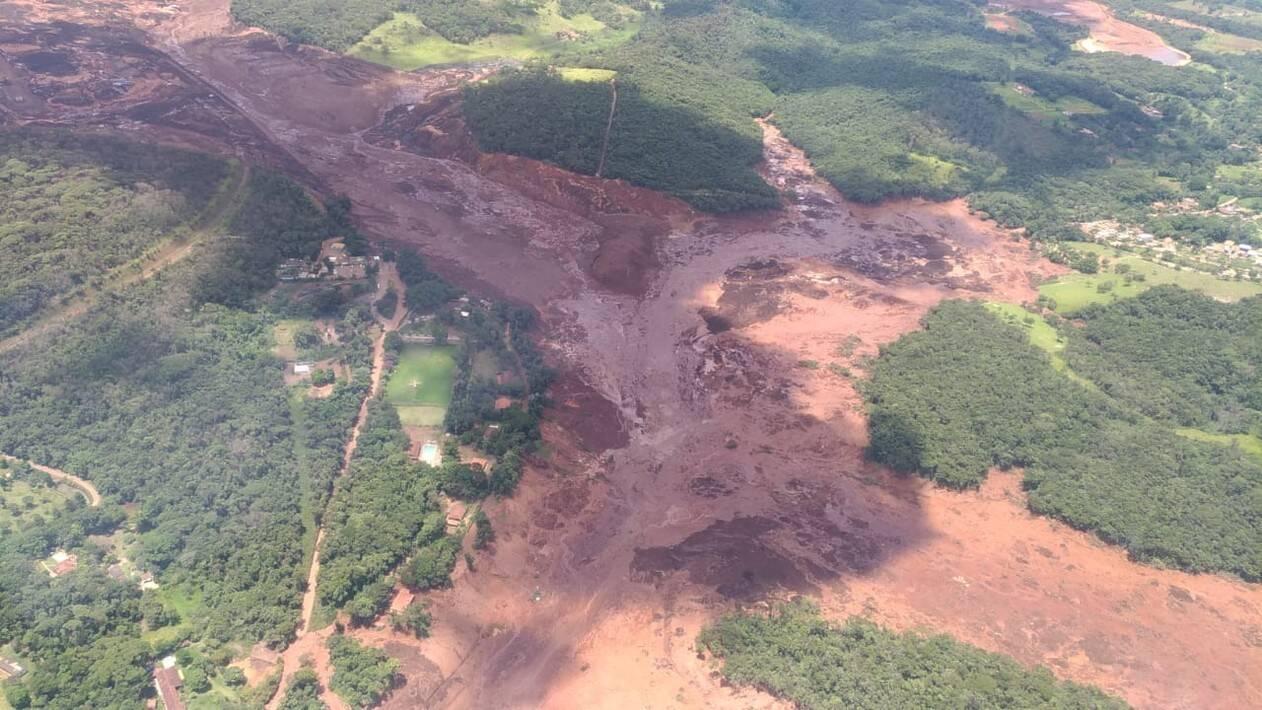 Uma barragem da mineiradora Vale se rompeu  na Mina do Feijão, em Brumadinho, na Região Metropolitana de Belo Horizonte. Foto: Reprodução