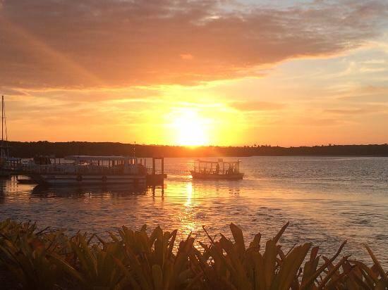 Vale a pena tentar ver o pôr-do-sol no Rio Buranhém. Foto: TripAdvisor