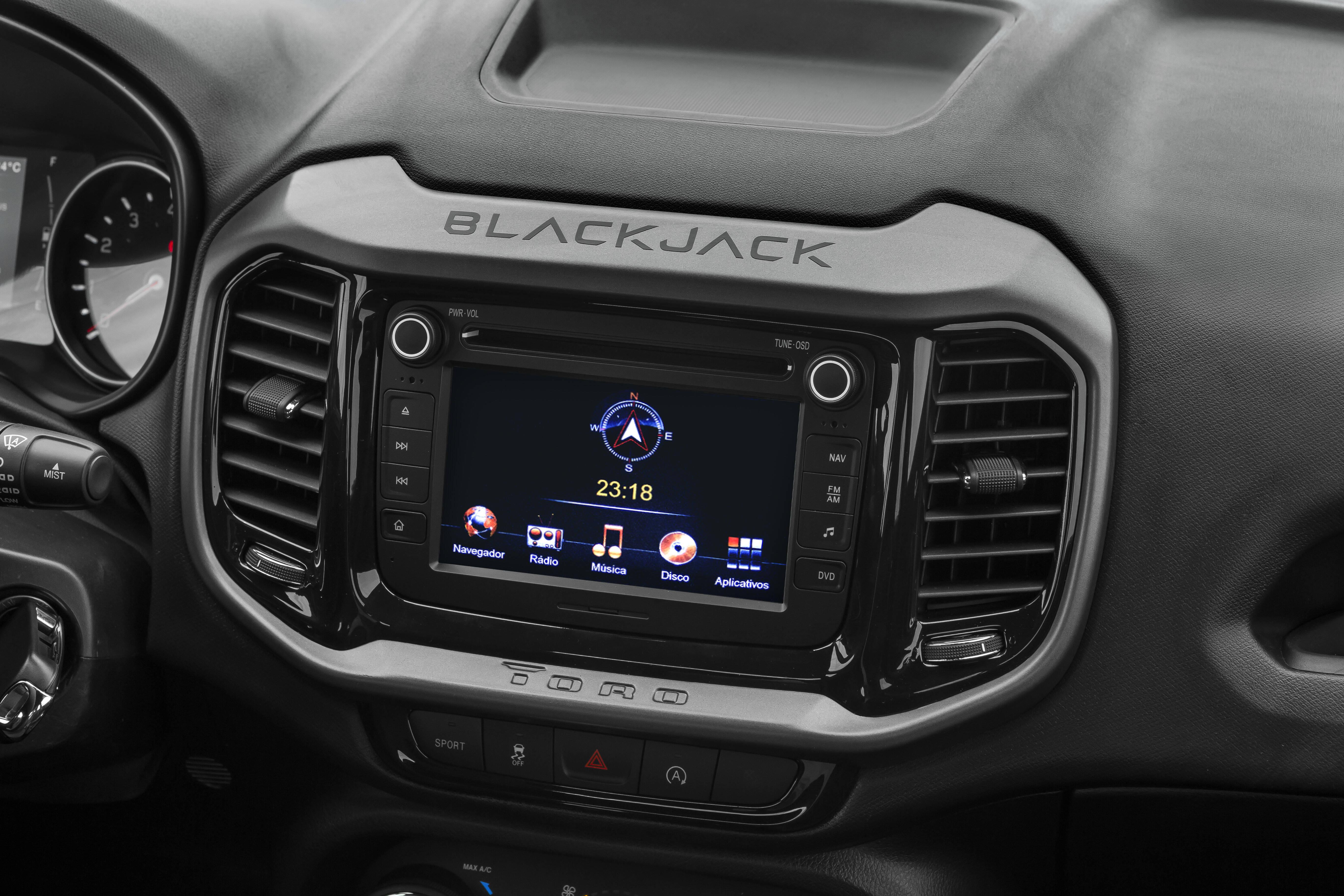 Fiat Toro Blackjack. Foto: Divulgação