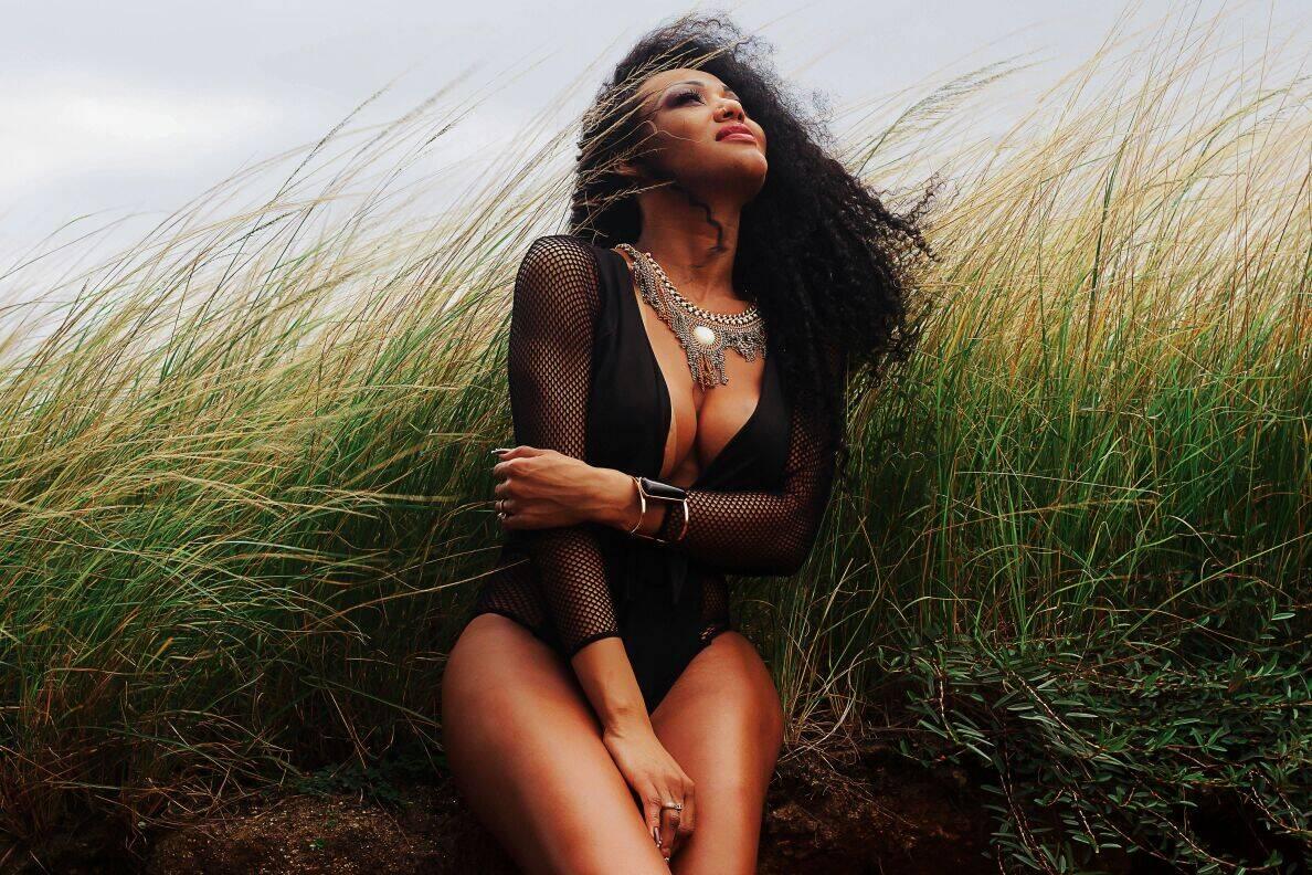 Cassia Almeida ostenta 113 cm de bumbum. Foto: Alê Araújo/Divulgação