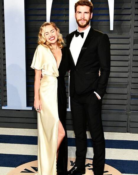 O after do Oscar 2018 rendeu para Miley Cyrus e Liam Hemsworth que marcaram presença e se mostraram muito apaixonados durante a Vanity Fair Oscar Party no último domingo (04). Foto: Reprodução Instagram