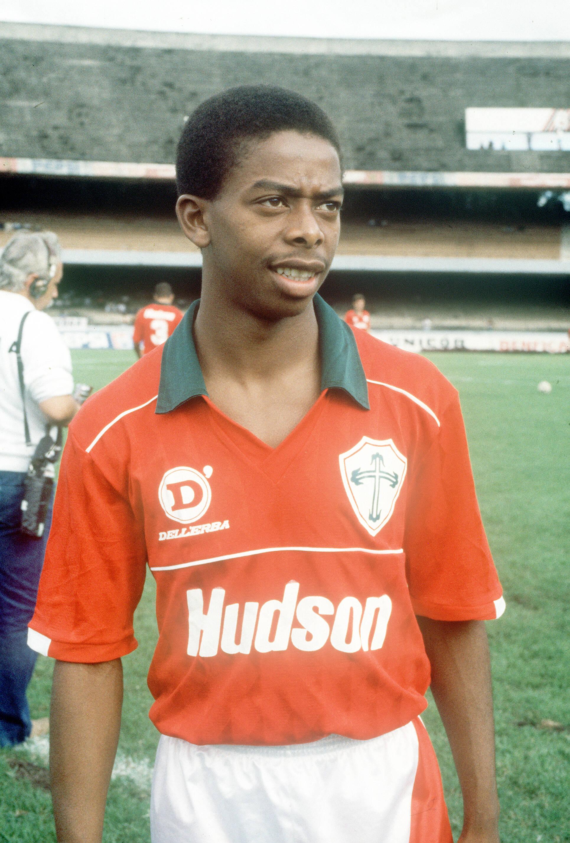 Dener - revelado pela Portuguesa em 1991. Foto: Gazeta Press