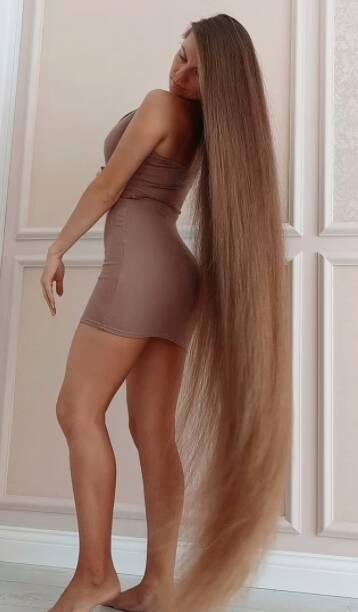 Veja fotos do cabelo da Rapunzel da vida real. Foto: Reprodução/Daily Mail