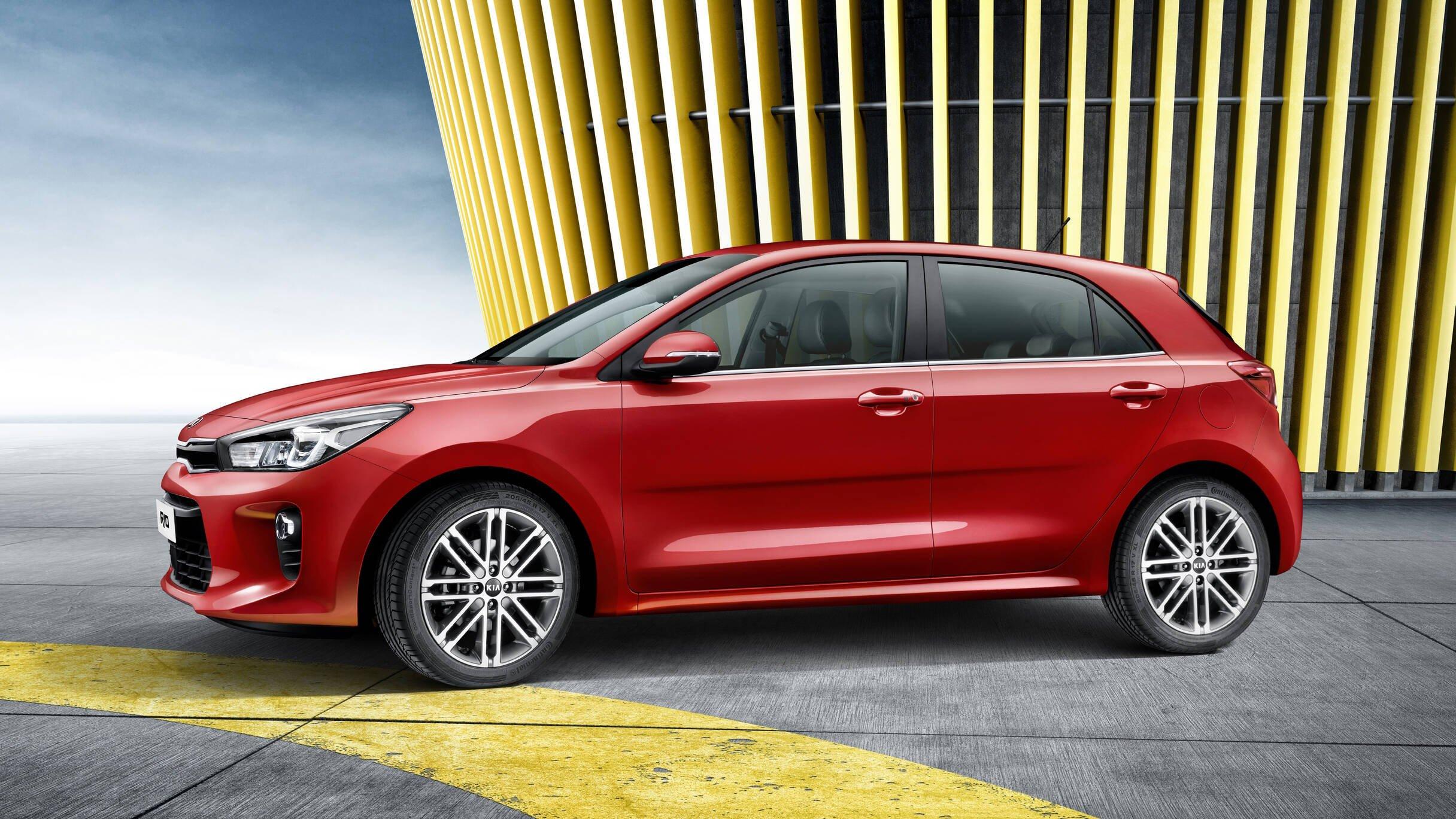 Irmão do Hyundai HB20, o Kia Rio será fabricado no México. No Brasil, o hatchback chega às lojas em 2017.. Foto: Divulgação/Kia