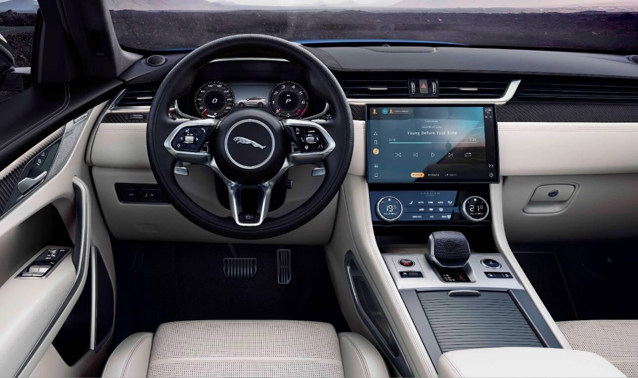 Jaguar F-Pace 2021 ficou mais esportivo e tecnológico, mas sem perder o luxo, característica principal da marca britânica.. Foto: Divulgação