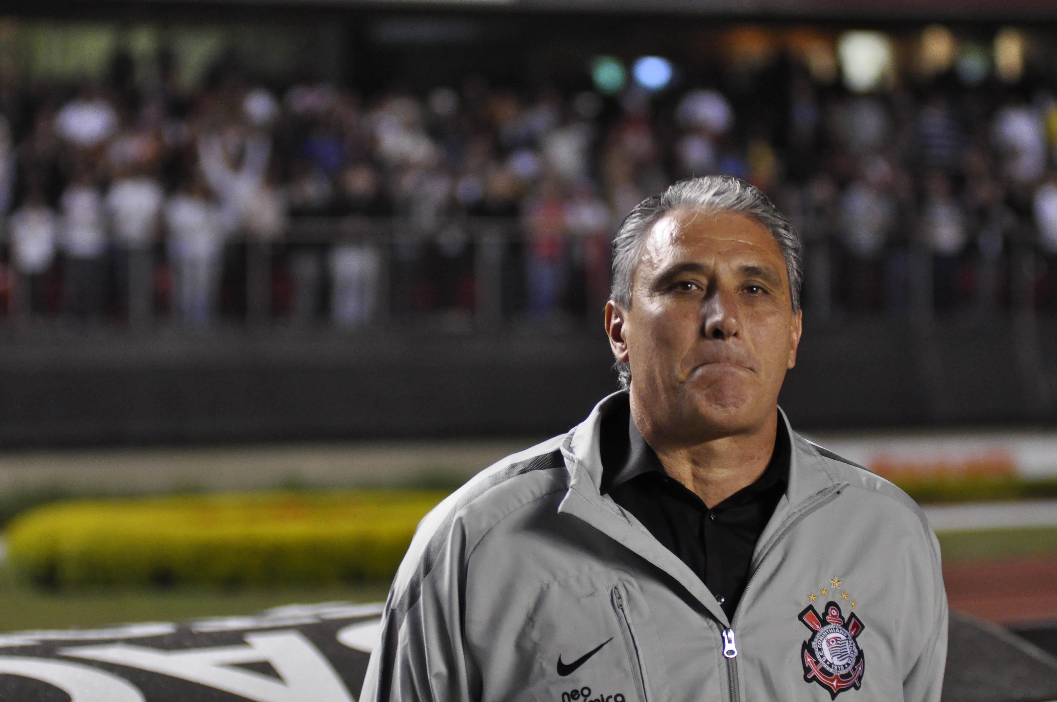 Um empate sem gols com o São Paulo na rodada seguinte ajudou a apagar o incêndio e o manteve no cargo. Foto: Gazeta Press