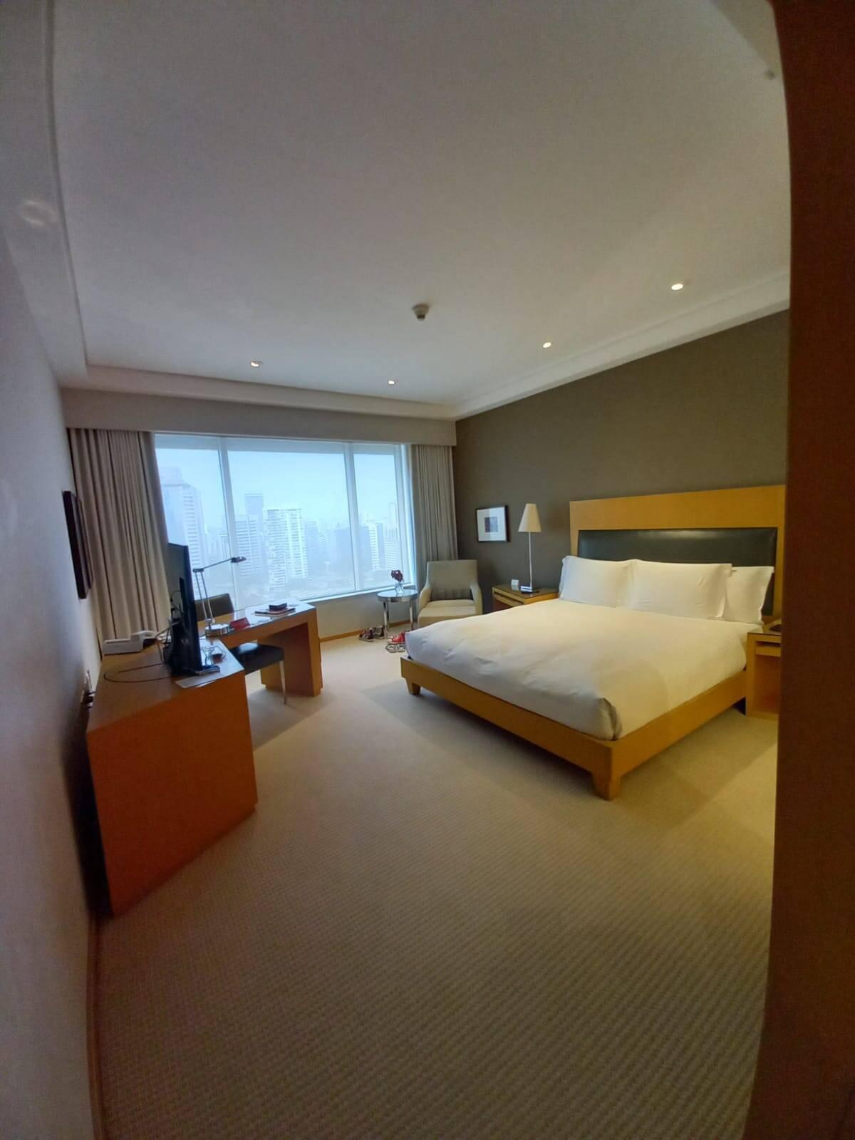 O espaçoso quarto conta com cama king size. Foto: Portal iG/Camila Cetrone