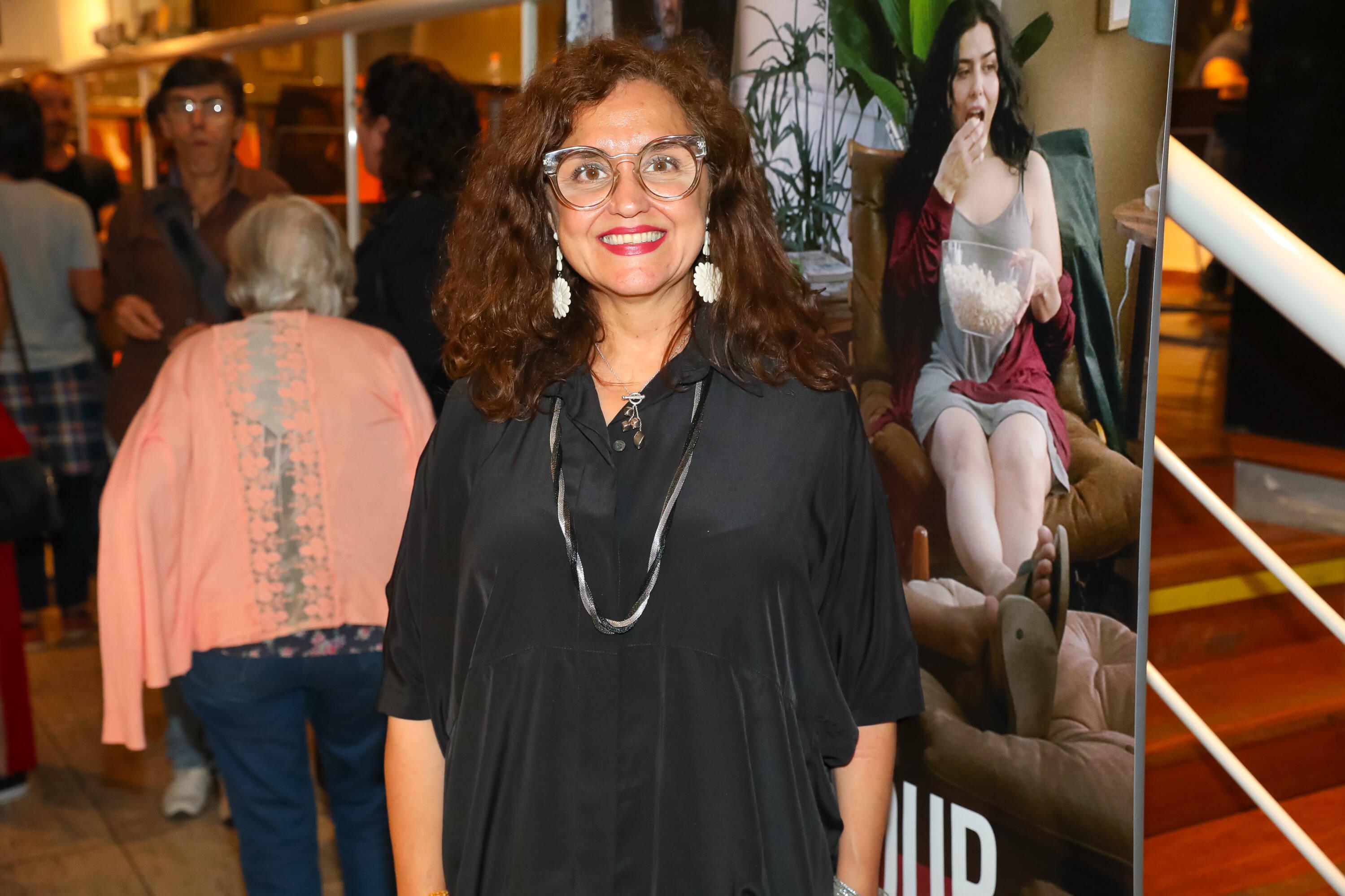 """Ilda Santiago na pré-estreia de """"Happy Hour – Verdades e Consequências"""" . Foto: Divulgação/Imovision"""