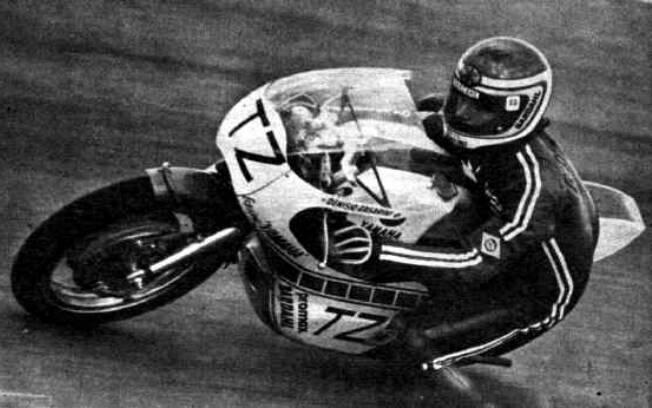 Denísio Casarini, com uma Yamaha TZ 350. Foto: Reprodução