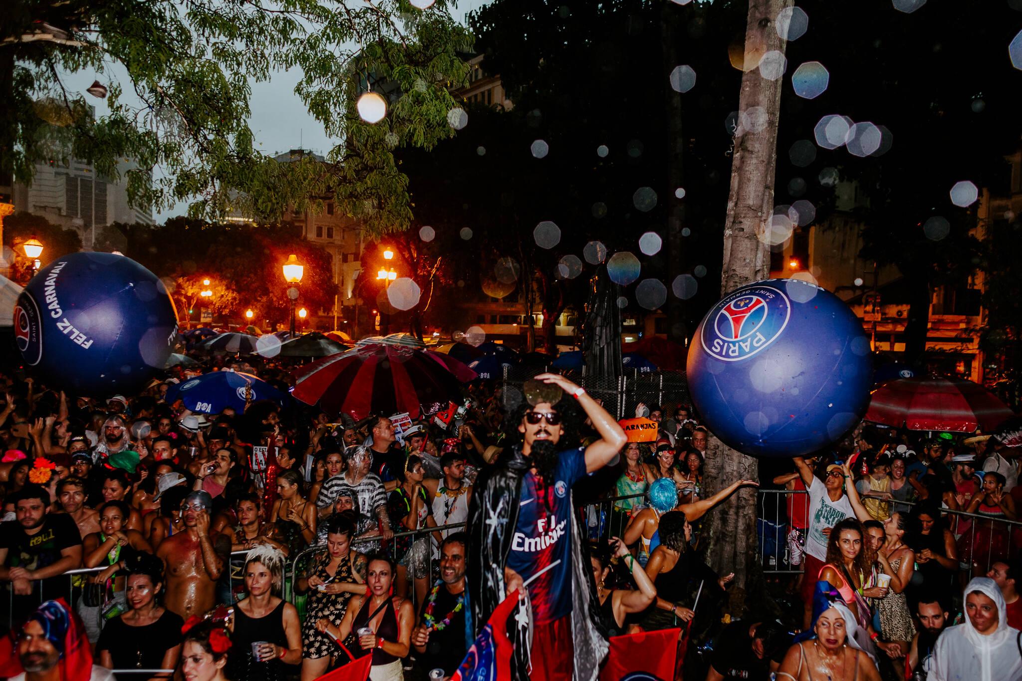 PSG participou oficialmente do carnaval do Rio de Janeiro, representado por Alex Dias. Foto: Divulgação
