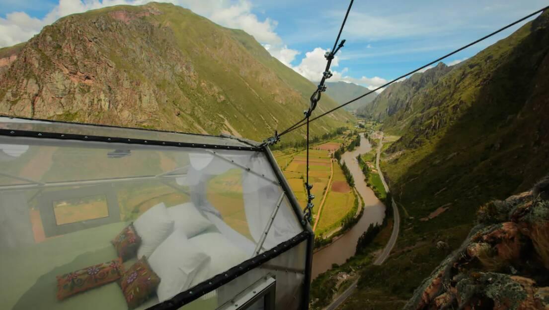 As cabines são feitas de materiais resistentes e são suspensas por cabos fixos de aço. Foto: Divulgação/Natura Vive
