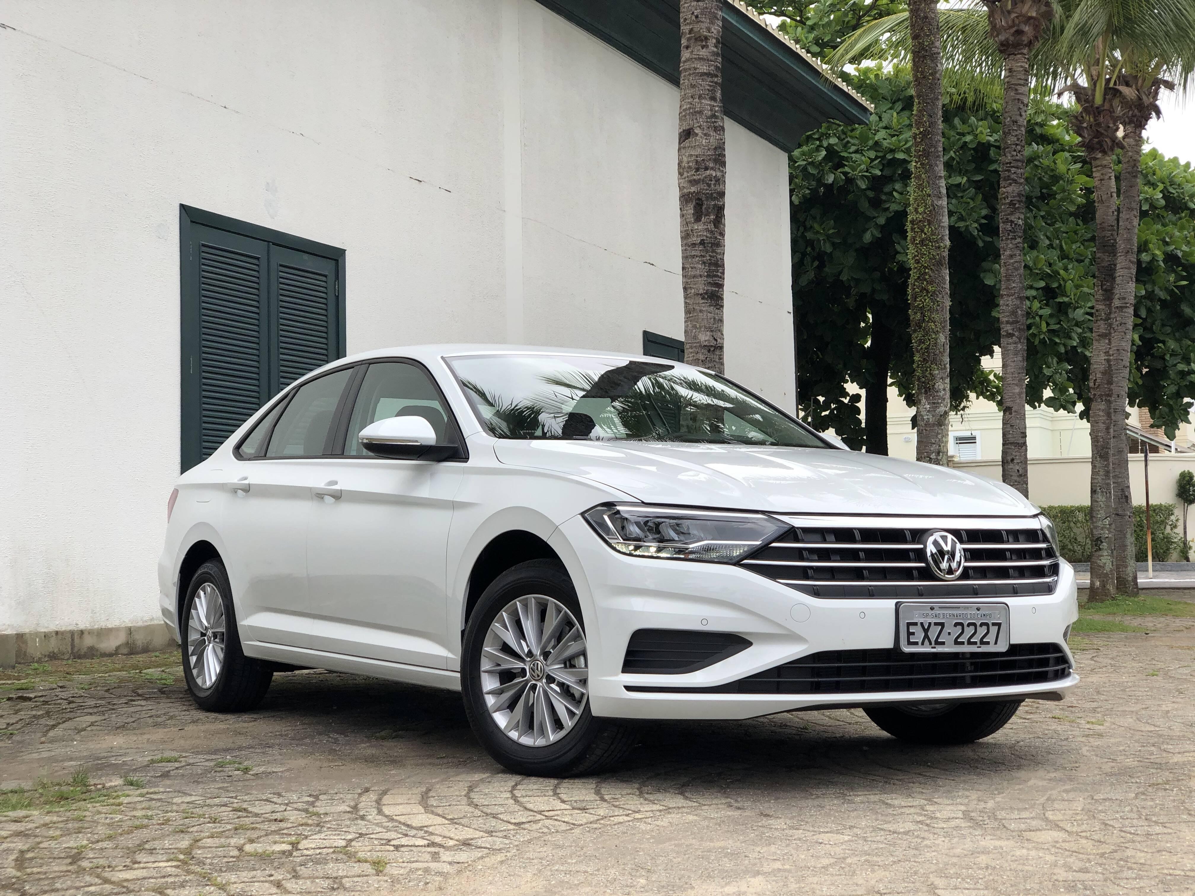 VW Jetta mais em conta não deixa a desejar em visual e equipamentos, e ainda aumenta a acessibilidade. Foto: Renato Maia/Falando de Carro