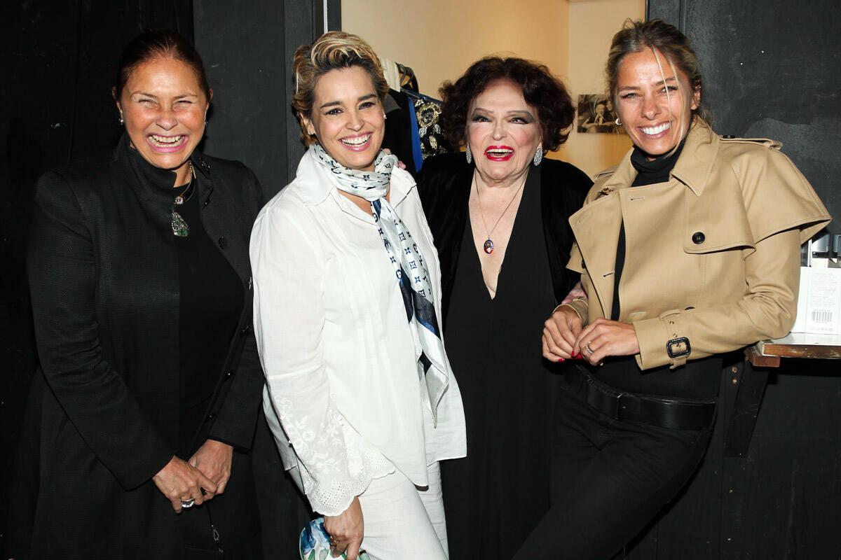Fafa de Belem, Suzy Rego e Adriane Galisteu em show Bibi Ferreira em 2013. Foto: Foto Rio News
