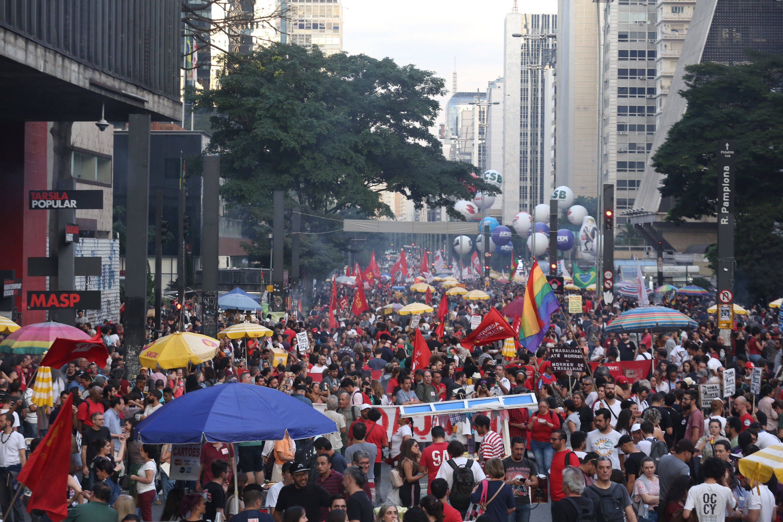 Manifestação contra reforma da Previdência na Avenida Paulista, em São Paulo. Foto: Fábio Vieira/FotoRua/Agência O Globo - 14.6.19