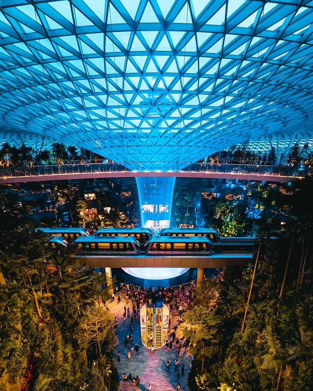 Jewel Changi Airport. Foto: Reprodução/Instagram/Khairulazmas