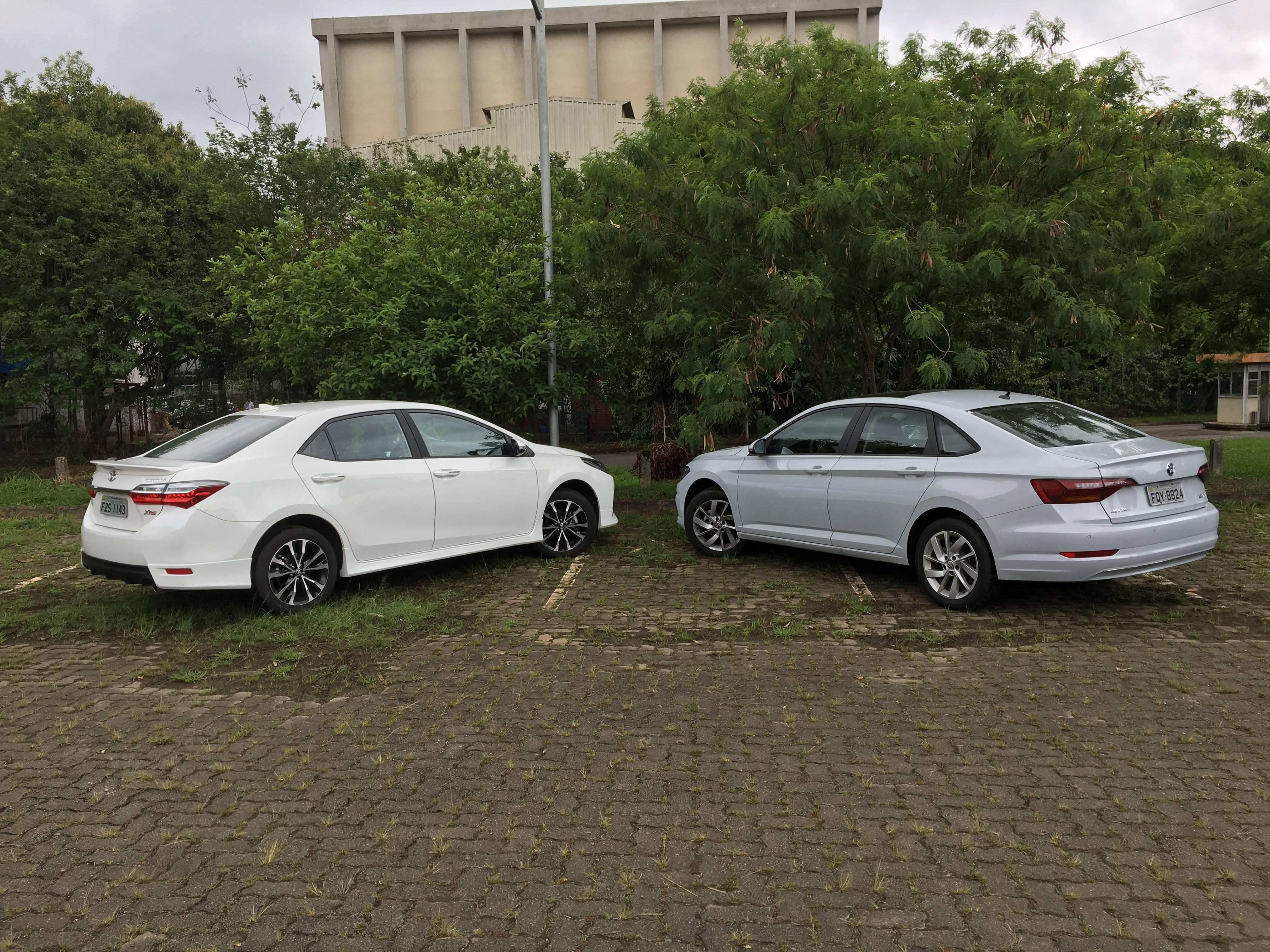 VW Jetta e Toyota Corolla. Foto: Guilherme Menezes/iG