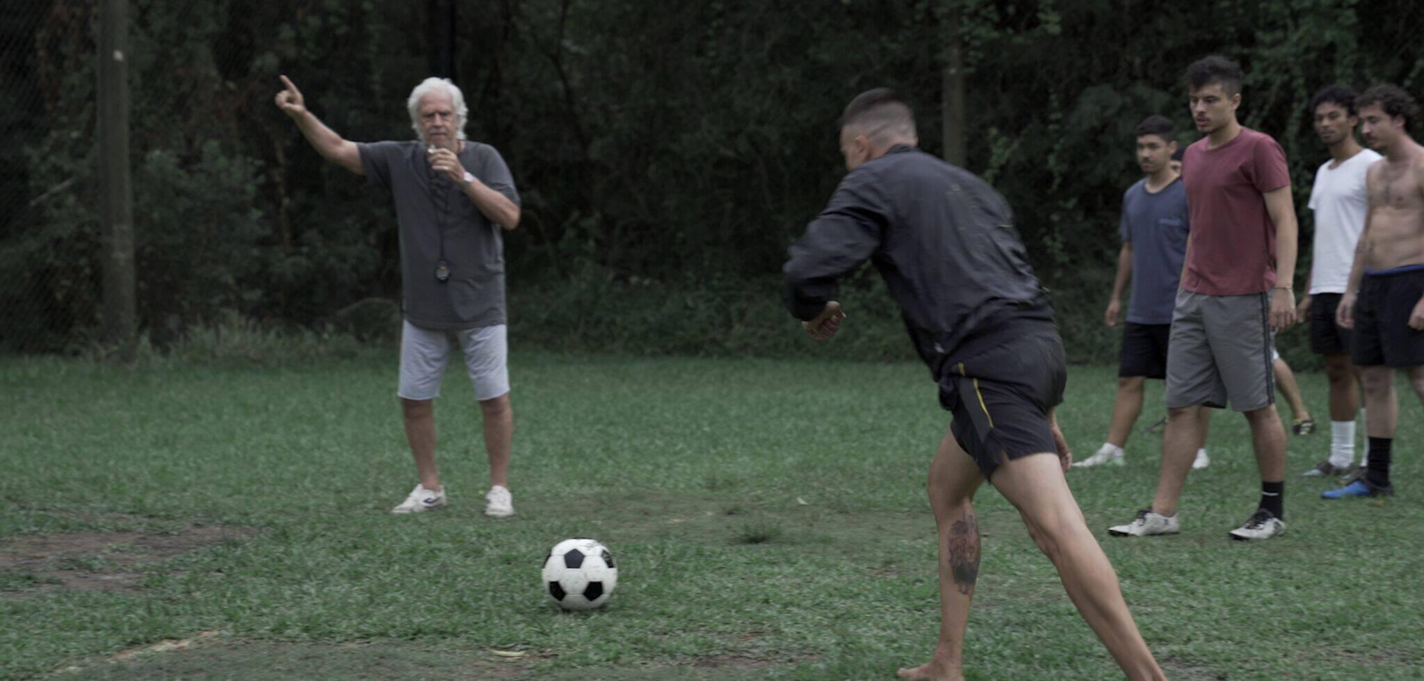 """""""Chuteira Preta"""". Foto: Divulgação"""