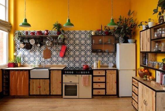 O amarelo cai muito bem em ambientes que remetem a produtividade. Foto: Pinterest/Fábio Moura