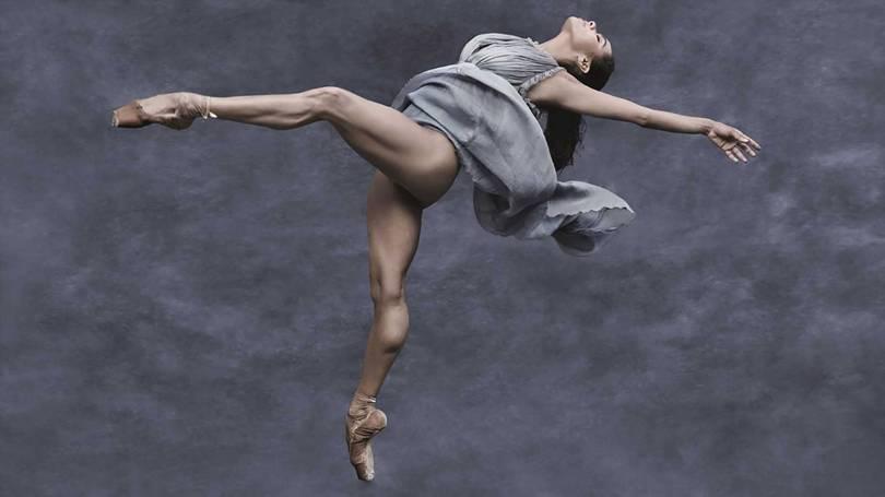 O calendário da Pirelli de 2019 extrai o melhor das modelos internacionais Gigi Hadid, Laetitia Casta, Julia Garner e Misty Copeland. Foto: Albert Watson/Pirelli