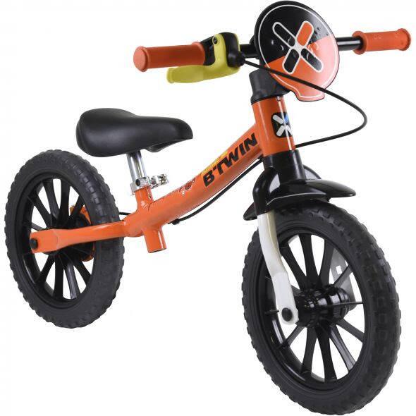 Bicicleta de equilíbrio Run Ride 500 - com freio Stop Easy - Btwin. R$219,99. Foto: Divulgação